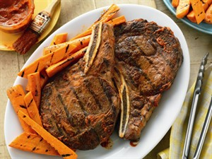 5512.00 Spicy Ribeyes with Ginger-Orange Grilled Carrots_pwm
